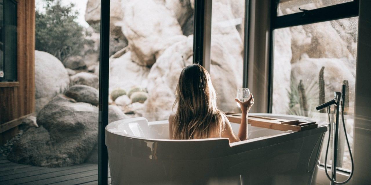 19 Stijlvolle en handige badkamer gadgets die je gezien moet hebben. Ze zijn geweldig!