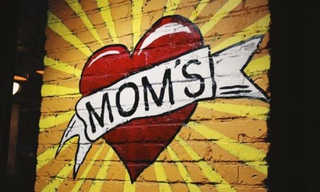 Top 10 luxe, middeldure en goedkope moederdag cadeaus, voor elk budget