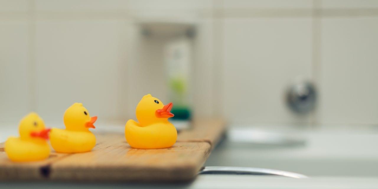 Met deze 17 grappige badkamer gadgets begin je lachend aan je dag