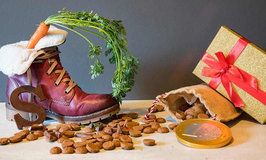 Schoen zetten met pepernoten, wortel en cadeautjes