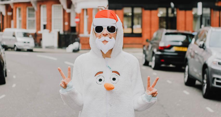 7 Foute en gekke kersttruien die je vreselijk vrolijk maken
